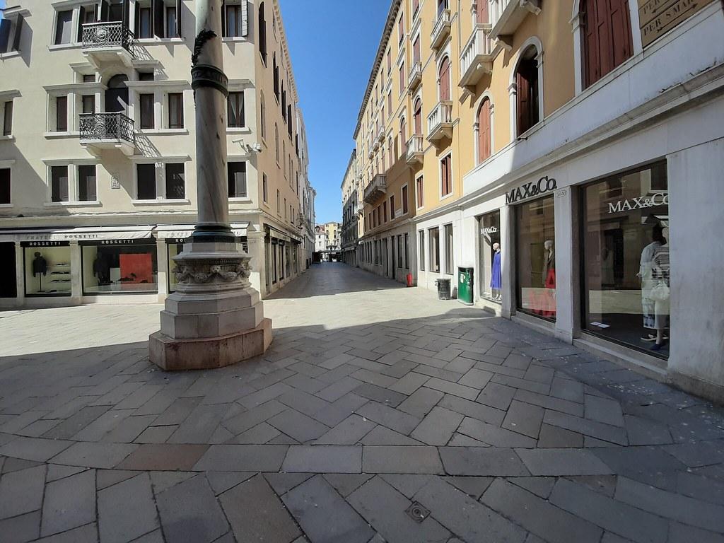 Calle Larga Giuseppe Mazzini da Campo San Salvador