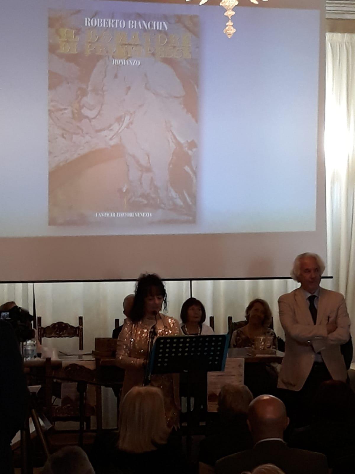 Un momento della premiazione a Palazzo Boldrin a Lendinara.