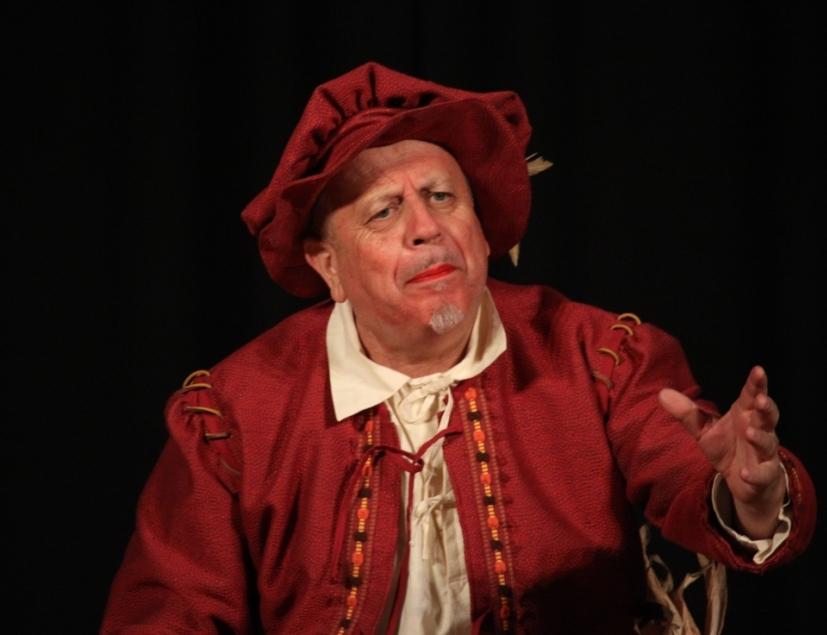 Bruno Paolo Spolaore nel Prologo de Il Reduce (foto Teatro Club).